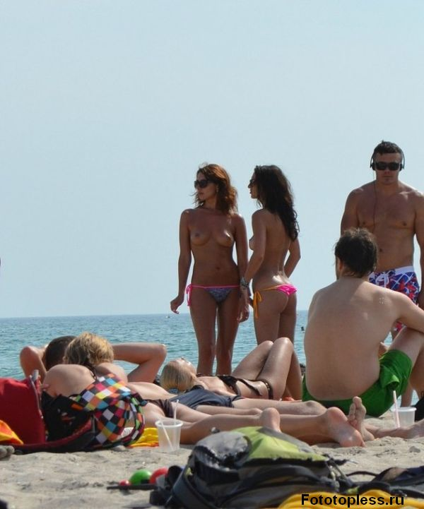 naturists and nudists naked topless on the beach (1228)