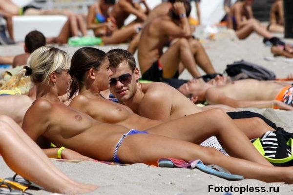 naturists and nudists naked topless on the beach (1230)