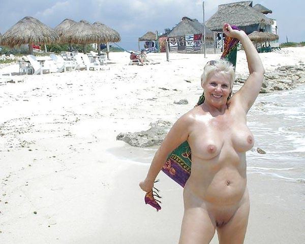 naturists and nudists naked topless on the beach (2303)