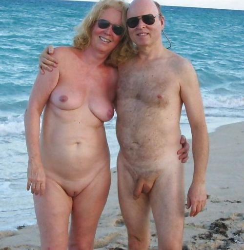 naturists and nudists naked topless on the beach (2348)