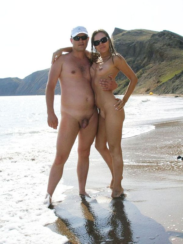 naturists and nudists naked topless on the beach (3207)