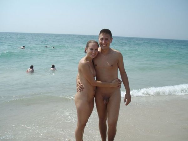 naturists and nudists naked topless on the beach (3225)