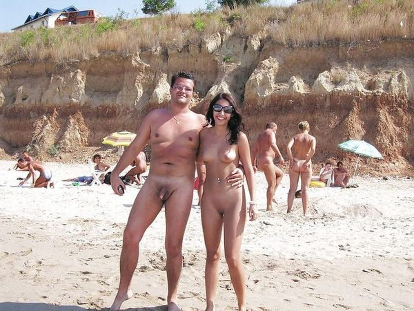 naturists and nudists naked topless on the beach (3239)