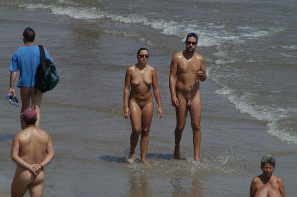 naturists and nudists naked topless on the beach (3241)