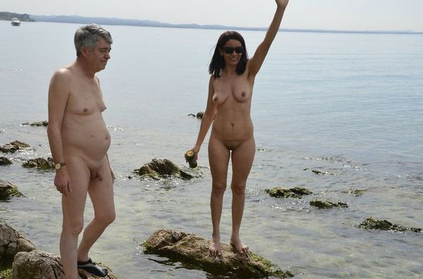 naturists and nudists naked topless on the beach (3248)