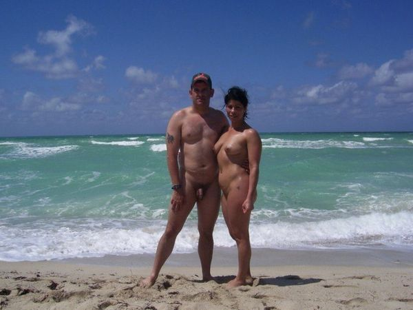 naturists and nudists naked topless on the beach (3834)