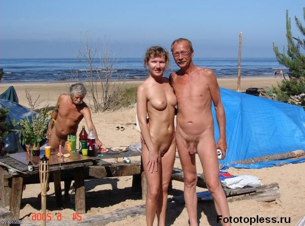 naturists and nudists naked topless on the beach (787)
