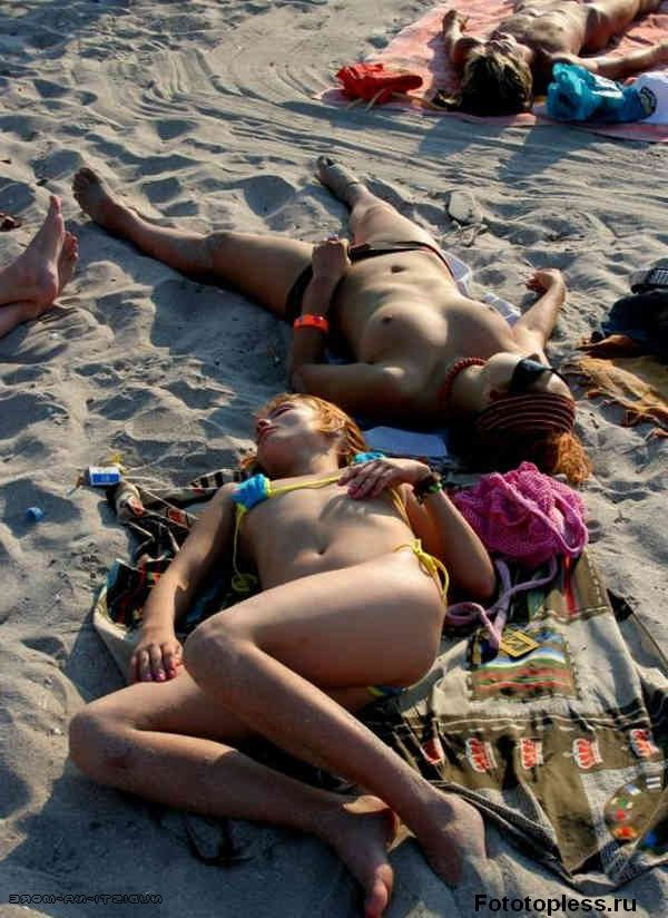 naturists and nudists naked topless on the beach (9)