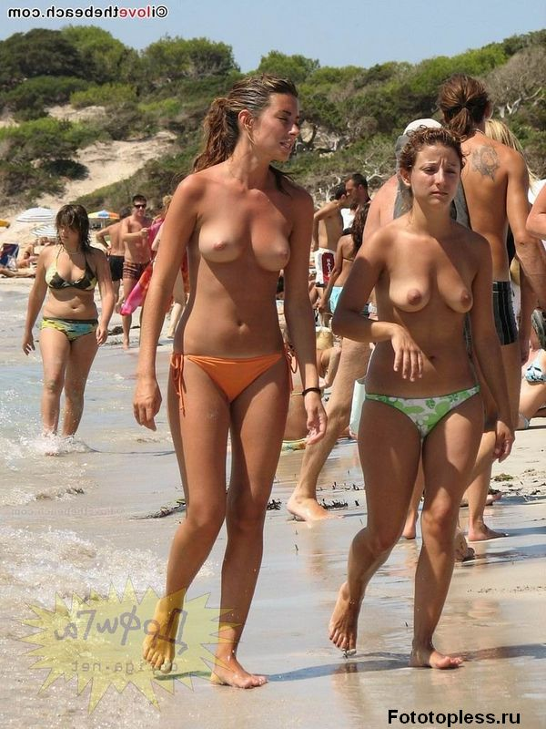naturists and nudists naked topless on the beach (921)