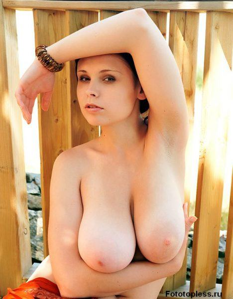 beautiful_female_breast_12732