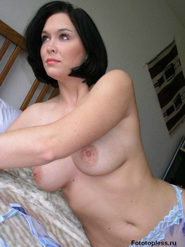beautiful_female_breast_12995