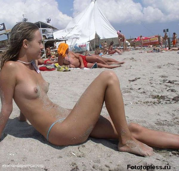 naked_on_the_beach_nudists_162