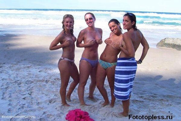 naked_on_the_beach_nudists_238