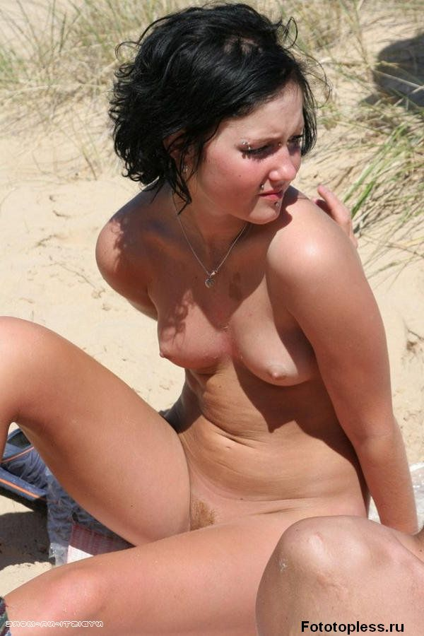 naked_on_the_beach_nudists_75