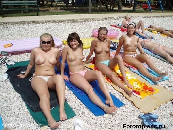 naked_on_the_beach_nudists_81