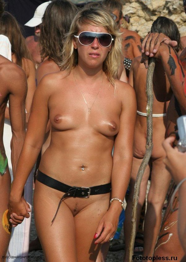 naked_on_the_beach_nudists_218